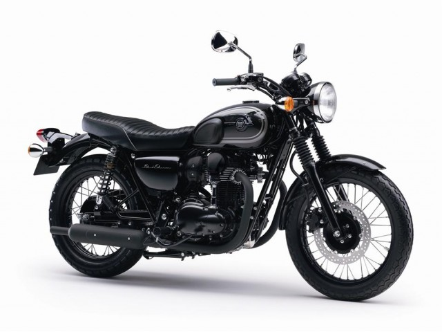 2015-kawasaki-w800-black-edition-is-as-elegant-as-it-gets-photo-gallery_10