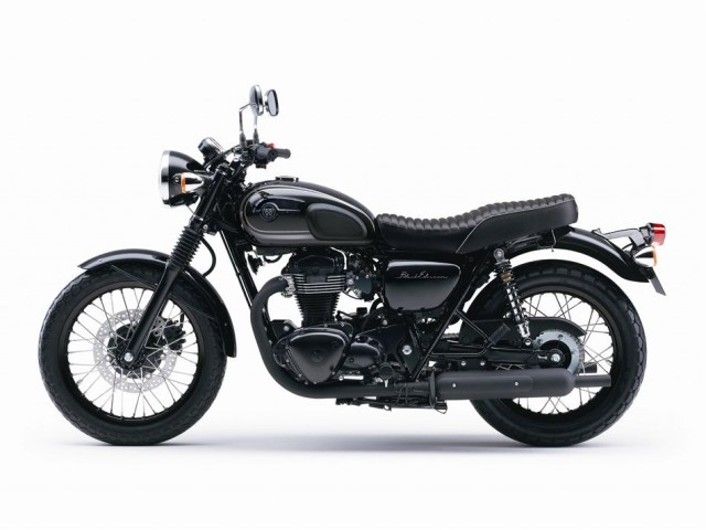 2015-kawasaki-w800-black-edition-is-as-elegant-as-it-gets-photo-gallery_9