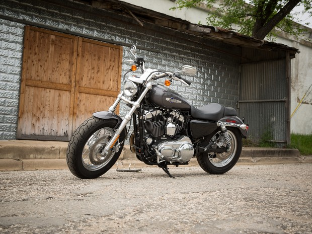 Harley-Davidson 1200 Custom (Foto: Divulgação)