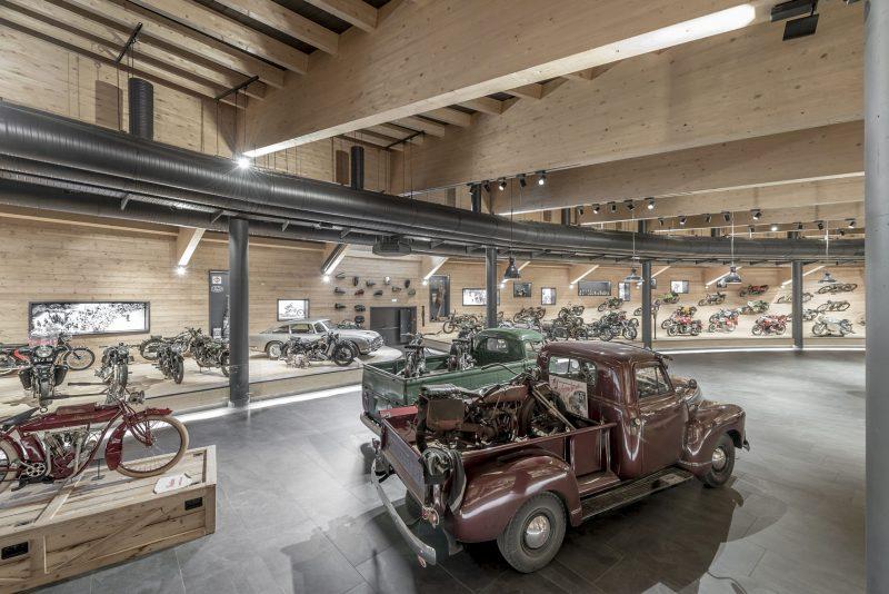 A impressionante coleção dos irmãos Scheiber também tem carros clássicos