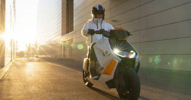 BMW Motorrad apresenta o Definition CE 04: um novo conceito de mobilidade urbana em duas rodas