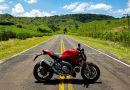 Pilotando a Ducati Monster 1200S